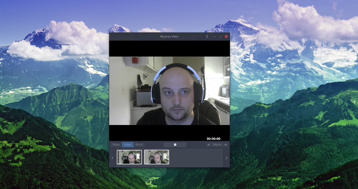 how to record your webcam on How to record your webcam on Linux