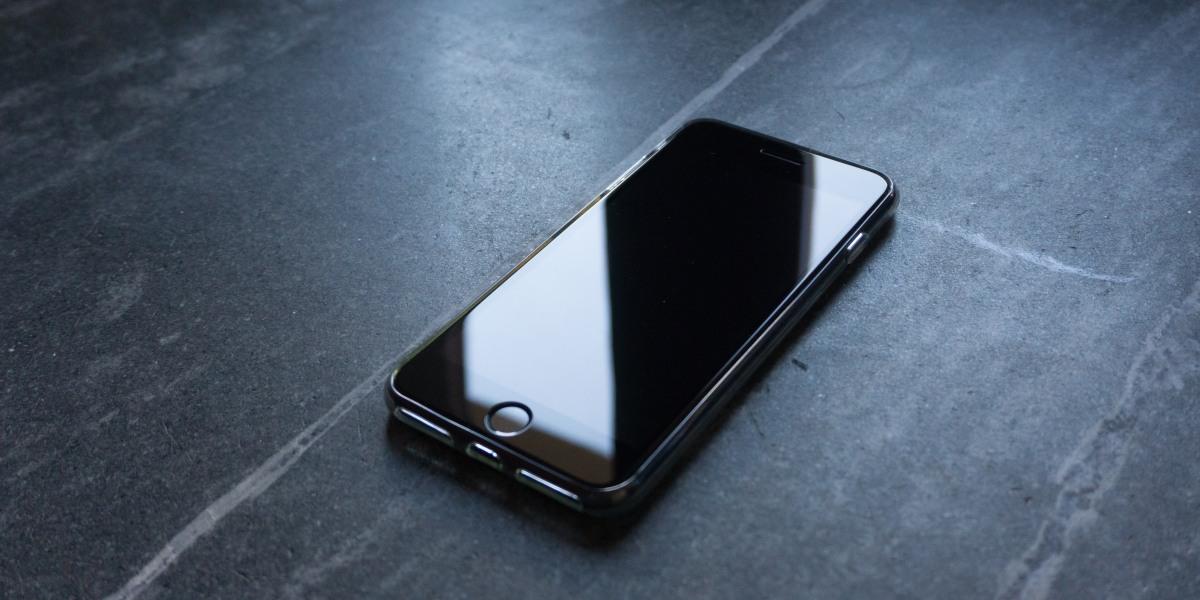 iPhone serial number